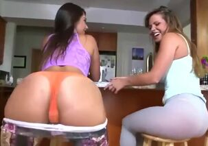 Hot latina twerking